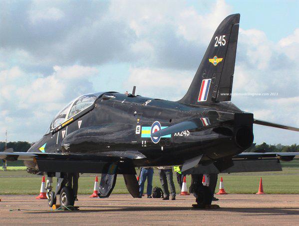 1b HN Ac Revell BAe Hawk T1A, 1.32
