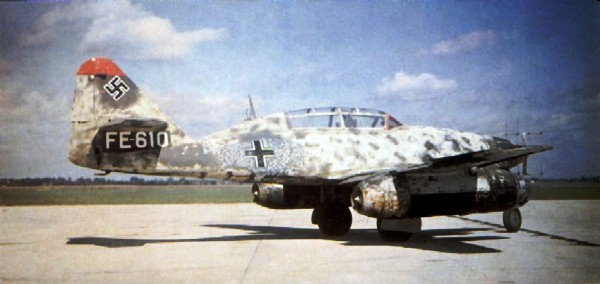 2 HN Ac Trumpeter Messerschmitt Me 262B1aU1 1.32