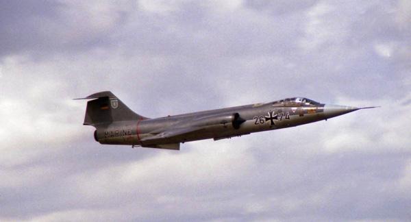 2 HN Ac Italeri F-104GS Starfighter  1.32