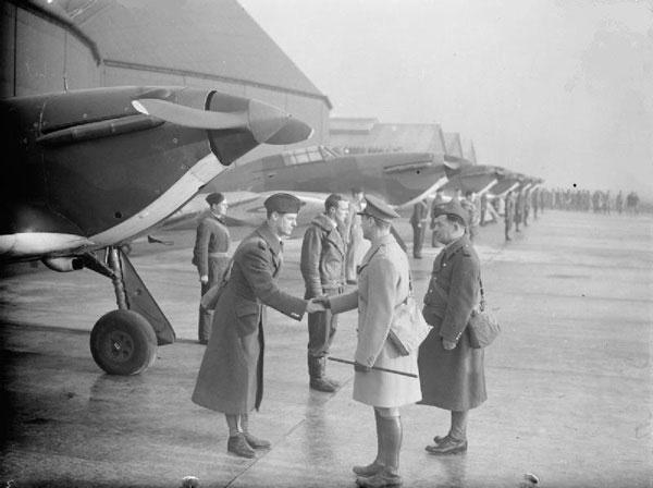 3-HN-Ac-Airfix-Hawker-Hurricane-MkI-1.72