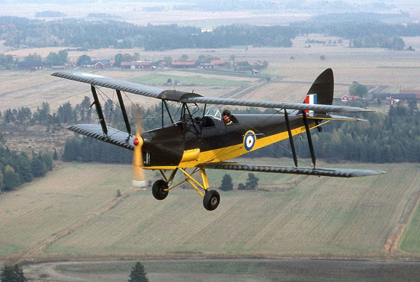 2-HN-Ac-Airfix-De-Havilland-DH82a-Tiger-Moth-1.72