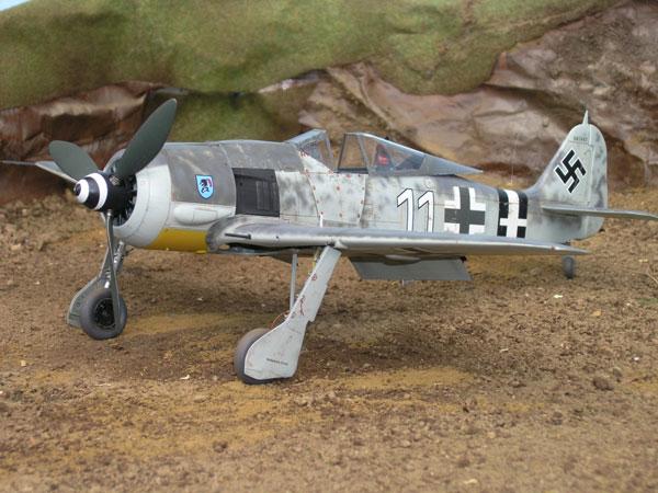 2a--HN-Ac-Airfix-Focke-Wulf-Fw-190F8A8-1.72