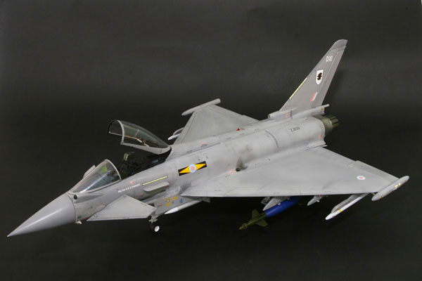5-HN-Ac-Revell-Eurofighter-Typhoon-Twin-Seater-1.32