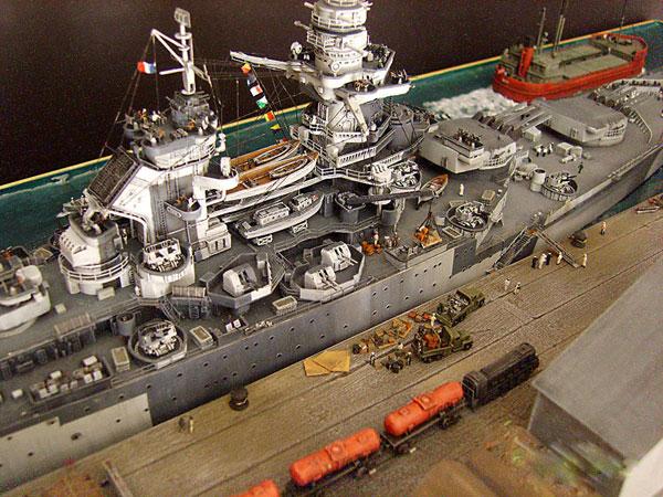 1Trumpeter-French-Battleship-Richelieu,-Sep-43-1.350-Lou-C