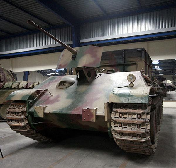 2-HN-Ar-Revell-Bergepanther-SdKfz-179-1.35