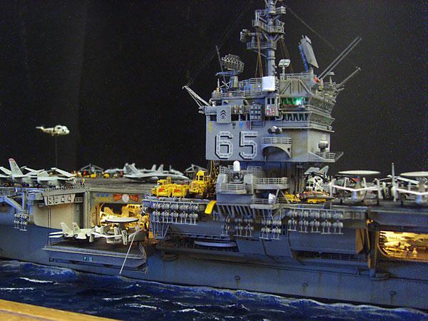 3Tamiya-USS-Enterprise-CVN-65,-1.350-Lou-C
