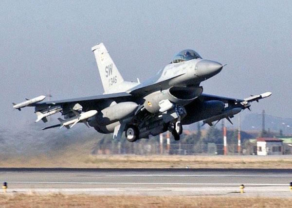 2-HN-Ac-Tamiya-F-16CJ-Block-50-1.72