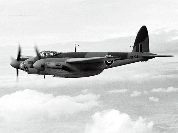 osquito B Mk IV serial DK338 before delivery to105 Squadron - this aircraft was used on several of 105 Squadron's low-altitude daylight bombing operations during 1943.