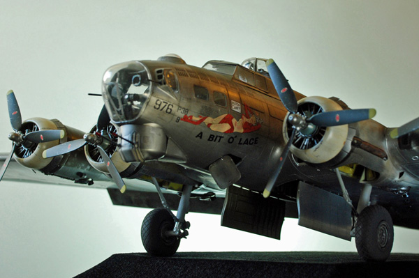 3. HKM B17G Flying Fortress, 1.32 Les V