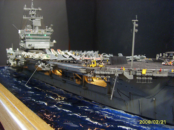 8-BN-Ma-Revell-USS-Wasp-LHD1-1.350-Pt1
