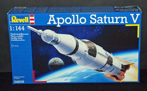 1-HN-Ac-Revell-Apollo-Saturn-V-1.144
