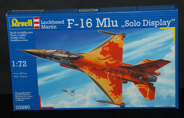 1 HN Ac Revell Lockheed Martin F16 MLU 1.72