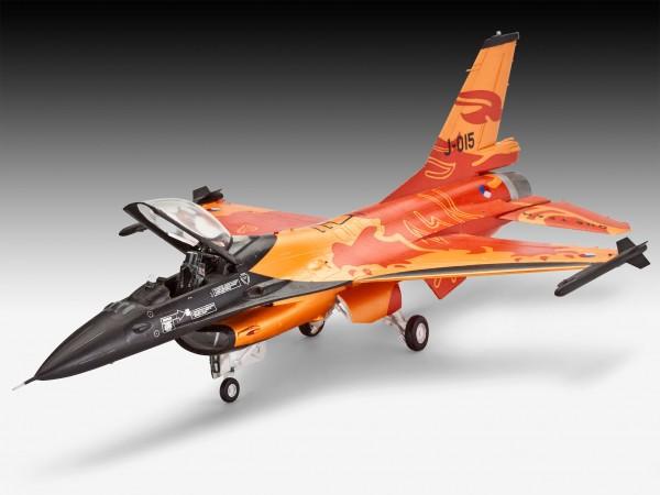2 HN Ac Revell Lockheed Martin F16 MLU 1.72