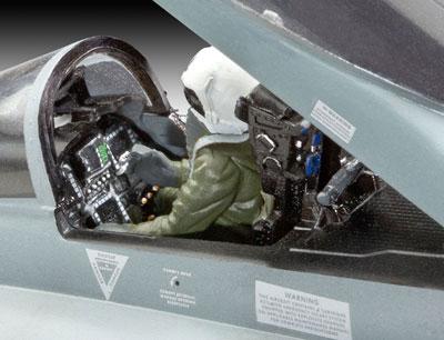 4-HN-Ac-Revell-FA18C-Hornet-1.48