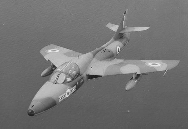 1 BN Revell-LF Models Hawker Hunter T7 Con Pt1