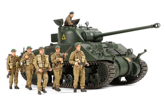 11-HN-Ar-Tamiya-British-Sherman-VC-Firefly-1.35