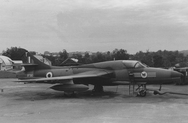 2 BN Revell-LF Models Hawker Hunter T7 Con Pt1