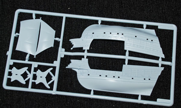 2 HN Ma Airfix Mary Rose 1.400