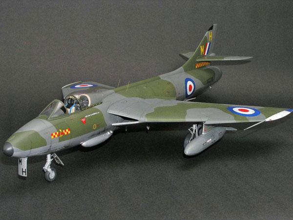 4-HN-Ac-Revell-Hawker-Hunter-FGA9-Mk58-1.32