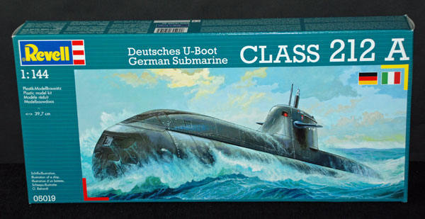 1-HN-Ma-Revell-German-Submarine-Class-212A-1.144