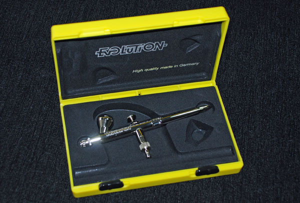 3-HN-TM-Harder-and-Steenbeck-Evolution-Airbrush