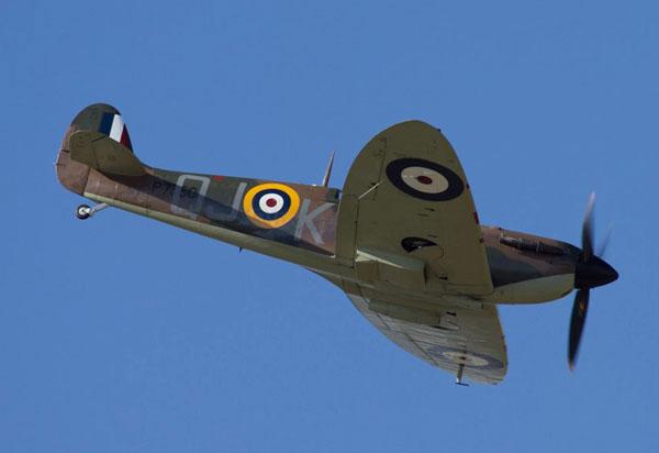 2-HN-Ac-Revell-Supermarine-Spitfire-MkIIa-1.32