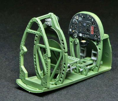 4a-HN-Ac-Revell-Supermarine-Spitfire-MkIIa-1.32