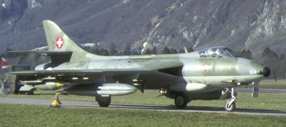 01h BN Ac Revell Hawker Hunter Miss Demeanour 1.32 Pt1