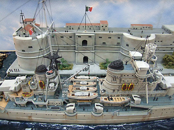 4 BN Ma HobbyBoss Italian Heavy Cruiser Pola 1.350 Pt1