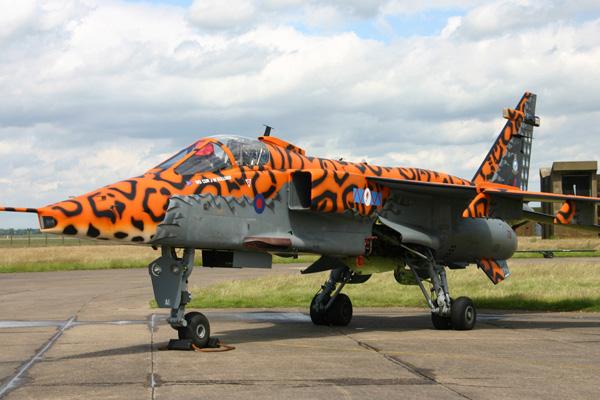 1-BN-Ac-Kitty-Hawk-SEPECAT-Jaguar-GR1,3-1.48-Pt1