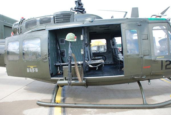 2-HN-Ac-Revell-Bell-UH1-Huey-1.24