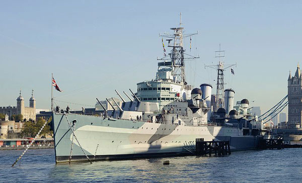 Photo: HMS Belfast (C35), London (courtesy of: Alvesgaspar)