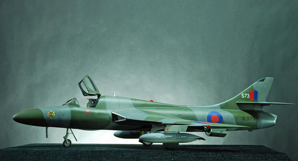 2a BN Ac Revell Hawker Hunter Fisher T7 Conversion 1.32