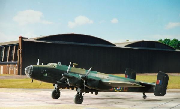 3 HN-Ac-Revell-HP Halifax B.Mk.III 1.72