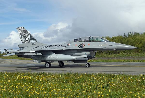 General Dynamics F-16BM Fighting Falcon, Orland - ENOL, Norway - courtesy of Aldo Bidini