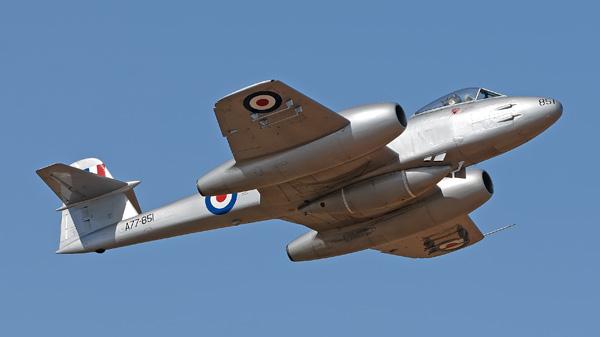 3-HN-Ac-Airfix-Gloster-Meteor-F.8-1.48