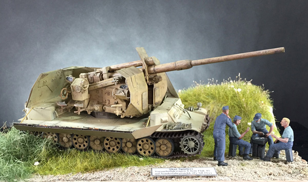 Bill's excellent Bronco Versuchsflakwagen 8.8cm Flak 41 in 1.35 scale
