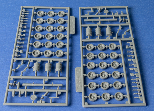 ModelCollect 1-72 T90MS-7