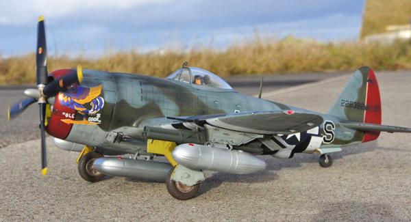 2 BN-Ac-Kinetic-P-47D Thunderbolt 'Razorback' 1.24 Pt1