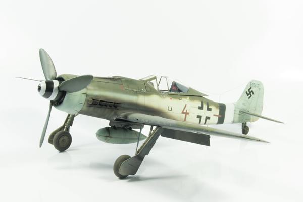 2 BN-Ac-Revell-Focke-Wulf Fw190D-9 1.32 Pt1