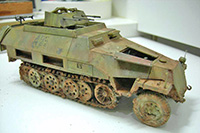 AFV-Club-Sd.Kfz.-251.21-Ausf.D-Drilling