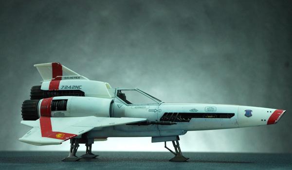 3-HN-SF-Colonial-Viper-MkII-Battlestar-Galactica-Revell,-1.32