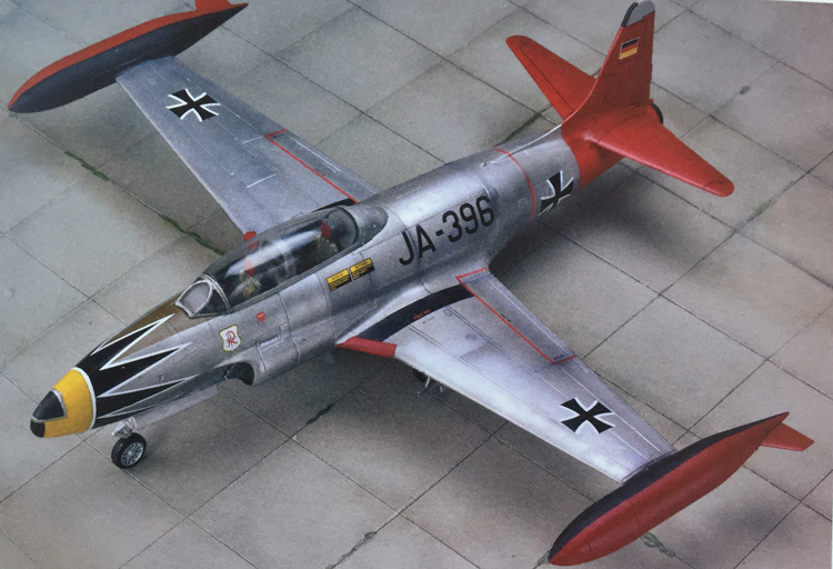 31-hn-ac-kits-tanmodel-lockheed-t-33-shooting-star-1-72