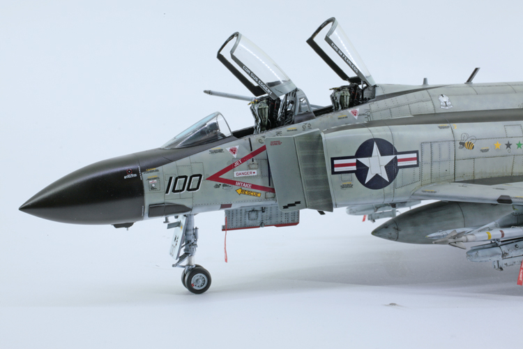 Zoukei-Mura F-4J Phantom II 1:48