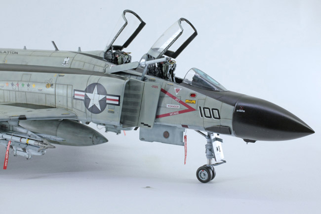 Zoukei-Mura 1//48 NAVY McDonnell Douglas F-4J Phantom II