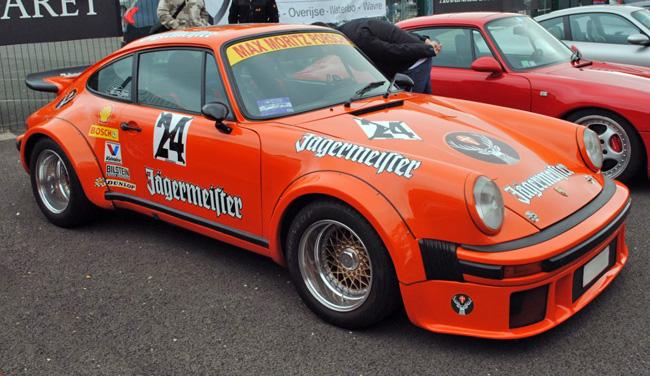 Tamiya Porsche Turbo RSR Type 934 Jägermeister 1:12