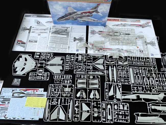 Tamiya McDonnell Douglas F-4B Phantom II 1:48